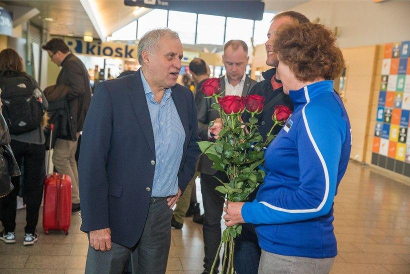 GALERII | Sõudjate pronksimeeskonna Pärnu tiib jõudis koju, mulgid jäeti laia ilma peale!