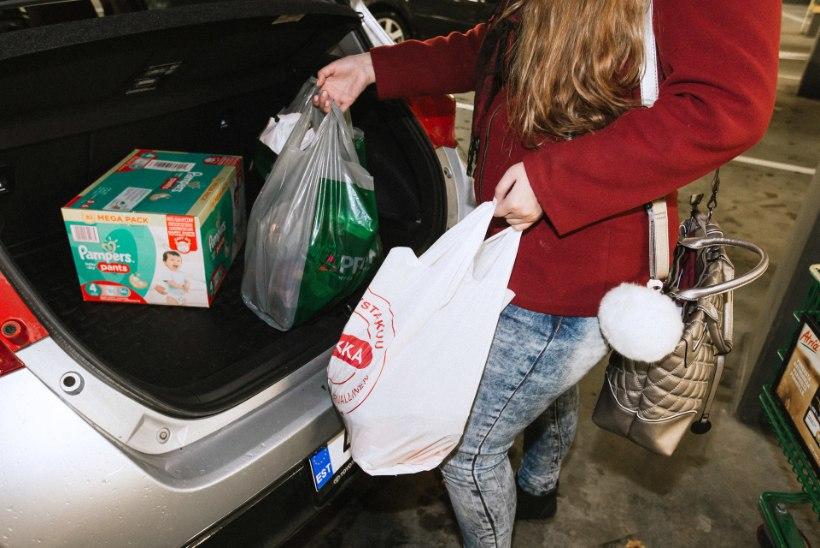 EVELIN ILVESE ISA ELUST SOOMES: toidukraami saan kiriku heategevusest, korteri eest aitab maksta riik