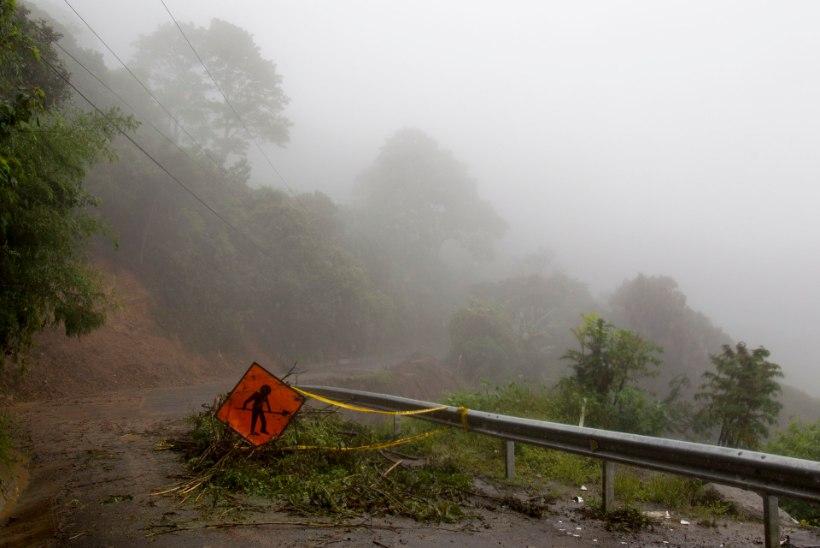 GALERII   ORKAAN NATE: Mehhiko lahes möllav orkaan Nate on võtnud juba 30 elu