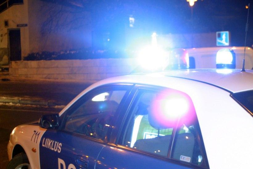 Politsei jälitas 40 minutit 200km/h kihutanud liiklushuligaani