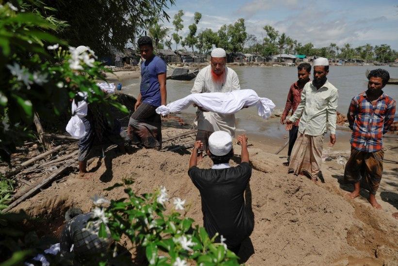 KURVAD FOTOD   Nafi jõel läks ümber rohingjade paat, enamik ohvritest on lapsed