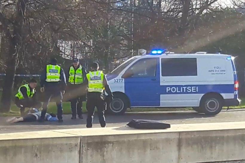 Miks ei andnud politseinikud kuulihaavaga noamehele esmaabi?