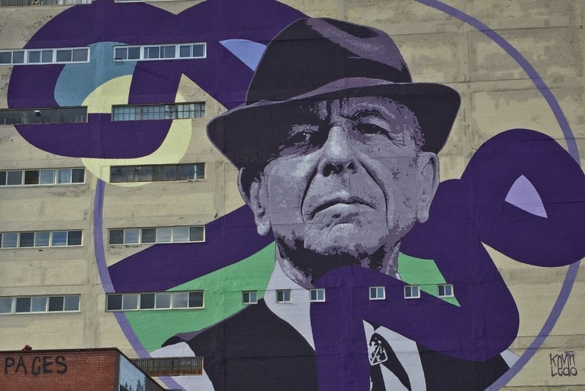 Montréal mälestab Leonard Cohenit võimsate seinamaalidega