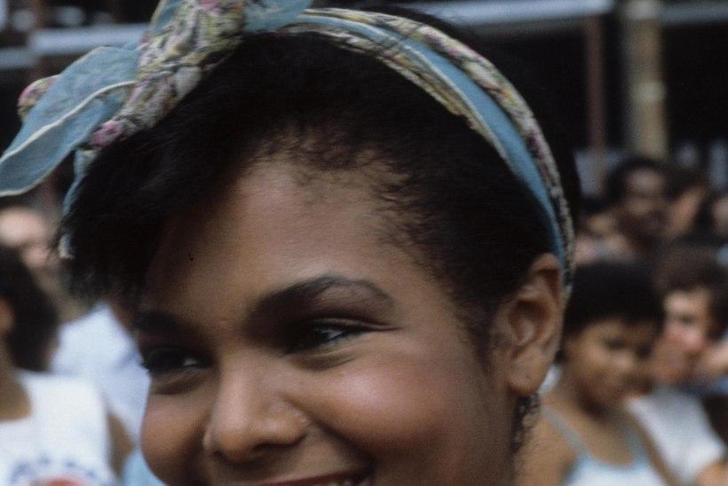 Ilukirurg: Janet Jacksoni nina on kokku varisemas!