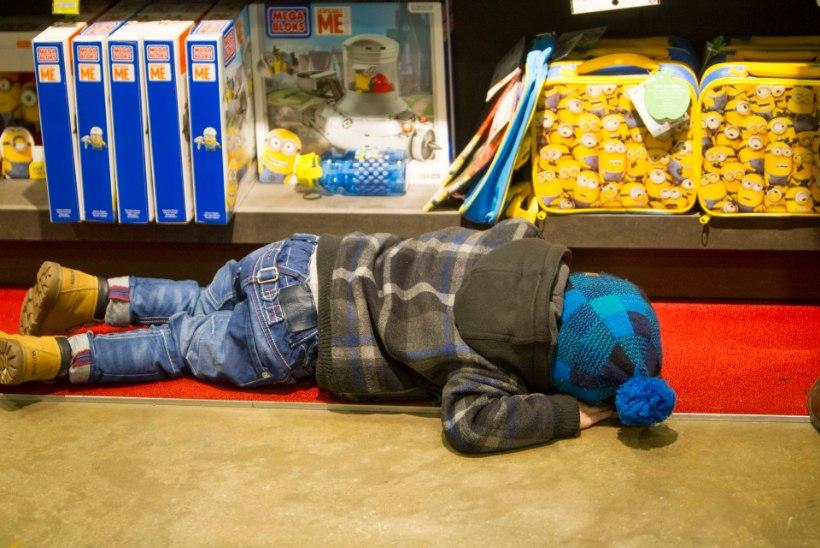 Viljandis kõndis õhtul ringi kingadeta väikemees, vanemad avastasid kadumise poolteist tundi hiljem