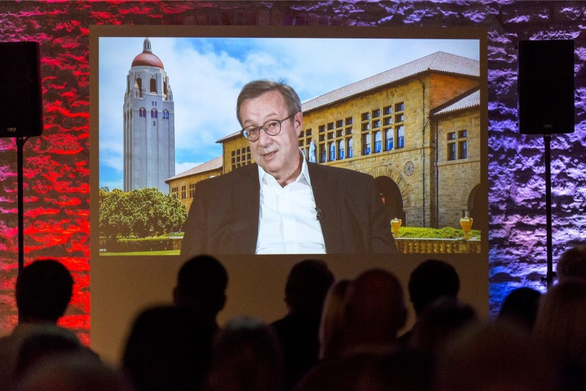 FOTOD   President Ilves osales Tallinna lobitöökonverentsil vaid lühivideo vahendusel