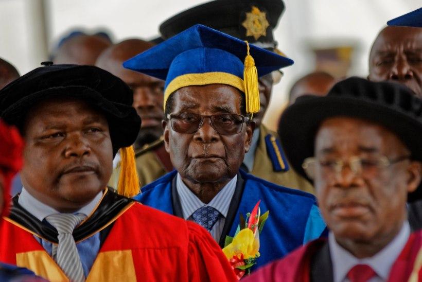 FOTO   Mugabe ilmus pärast riigipööret esimest korda avalikkuse ette