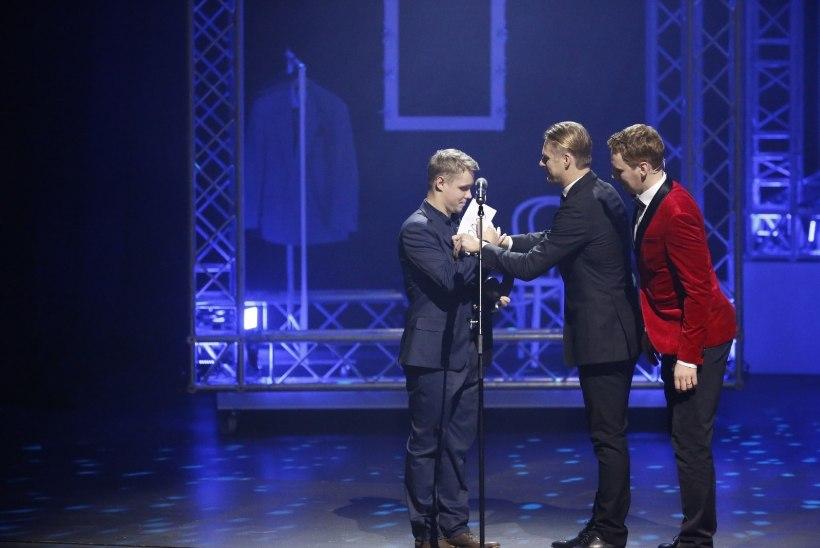 """""""Sa oled vale teatrit vaadanud!"""" – Tambet Tuisu ja Tanel Toomi vahel läks PÖFFi avagalal lõõpimiseks"""