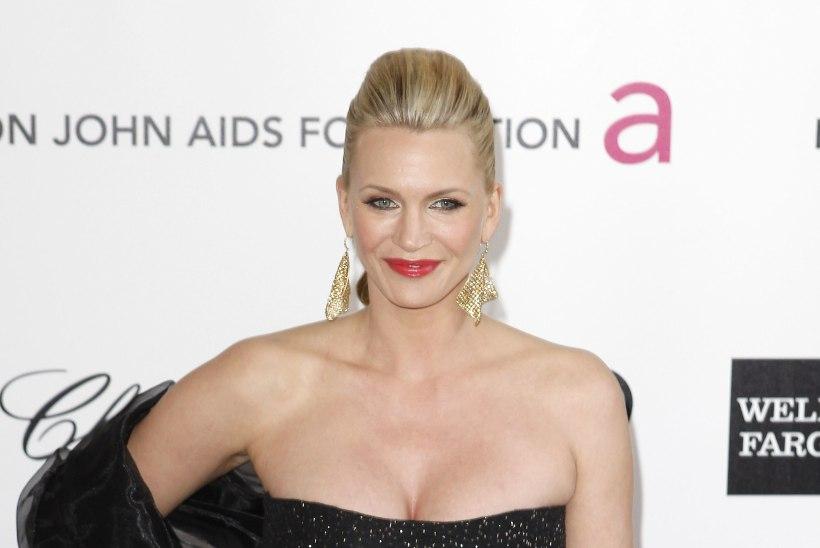 6 naist süüdistab lavastaja ja produtsenti Brett Ratnerit