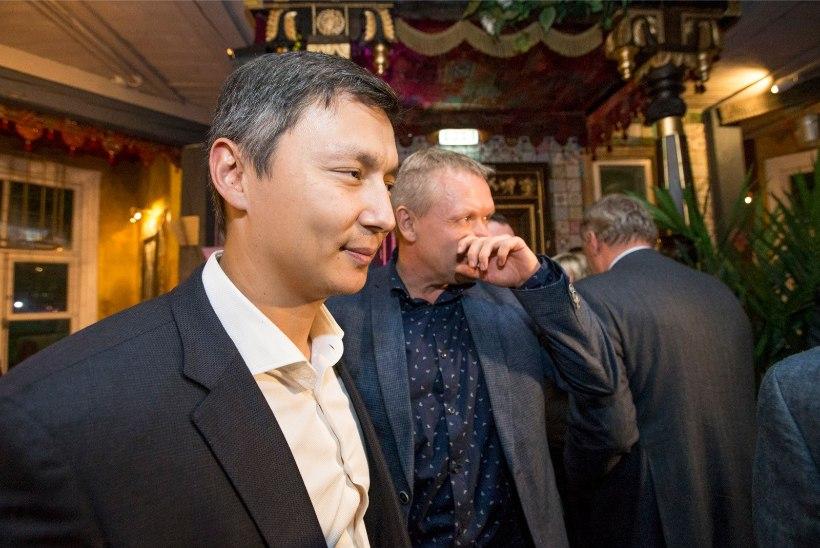 Tallinna linnavolikogu esimeheks valiti Mihhail Kõlvart, aseesimeesteks Toivo Tootsen ning Mart Luik