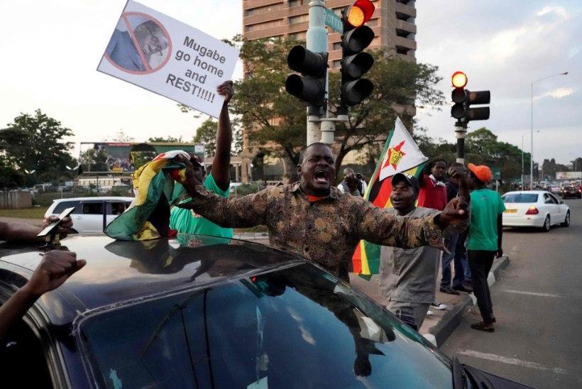 Zimbabwe president Robert Mugabe astus kirja teel tagasi