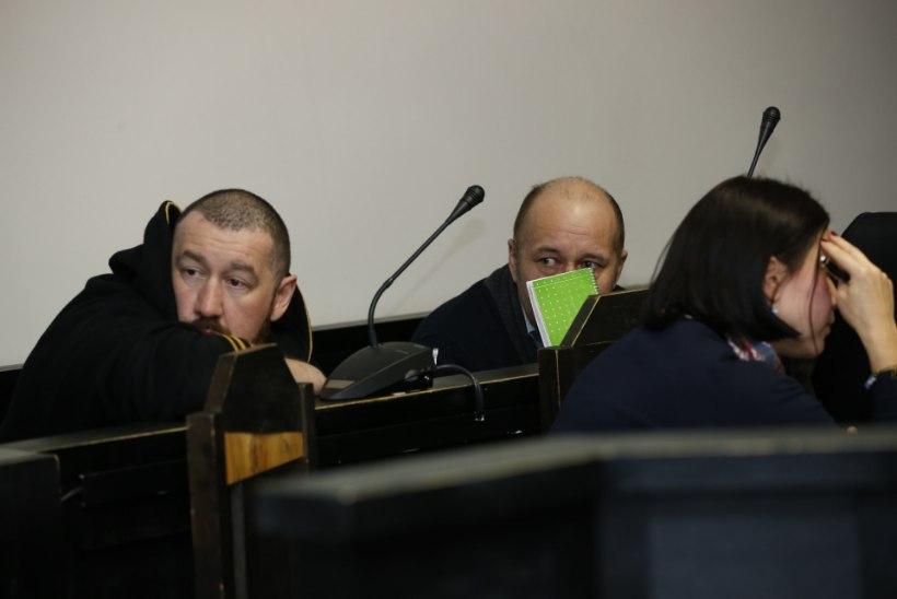 GALERII | Kohtu ette astusid 14 aasta taguses mõrvas süüdistatavad mehed