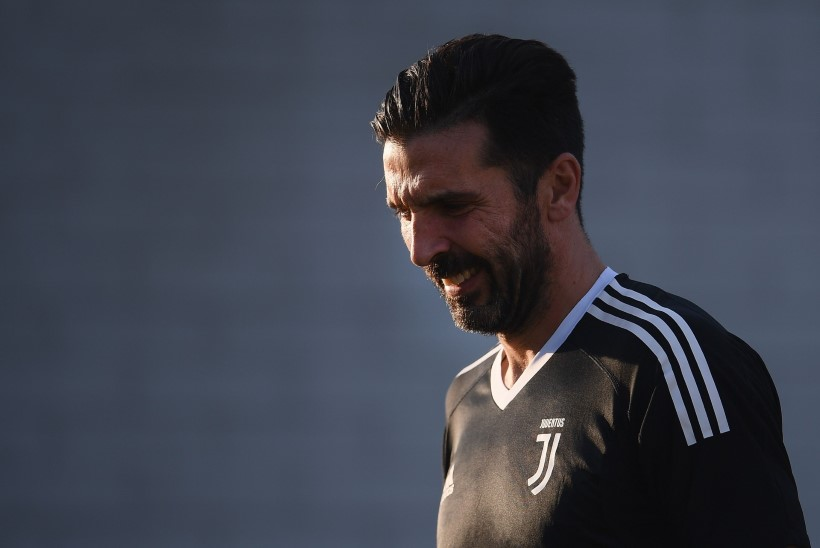 LEGEND! Barcelona mängumees pakkus oma MM-piletit Buffonile, itaallane tänab meest särgiga