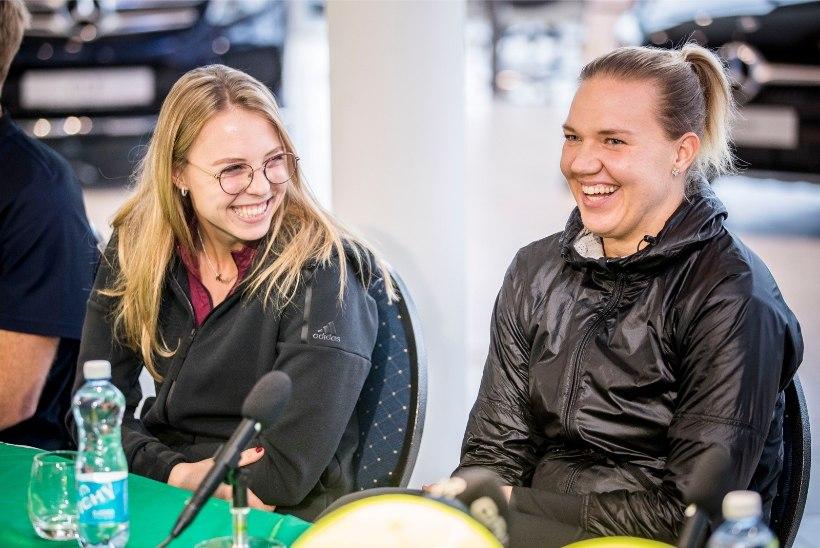 Kaia Kanepi ja Anett Kontaveit panid oma reketid vähihaigete toetuseks oksjonile