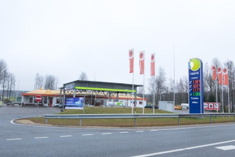 """Tanklakett: """"Turuosalised teevad suuri pingutusi, et hoida kliente Eestis tankimas."""""""