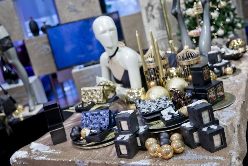 GALERII | Kaubamaja esitles tänavusi jõulutrende ja avas personaliseeritud kingituste pop-up-poed