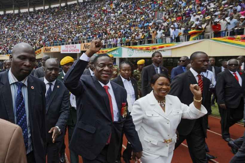 FOTOD   Zimbabwel on alates tänasest ametlikult uus president