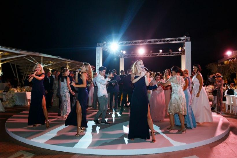 VIDEO JA FOTOD | La La Ladies astus üles Dubais toimunud pulmas: pruutpaari ainus soov oli, et meie pulmas esineksime!