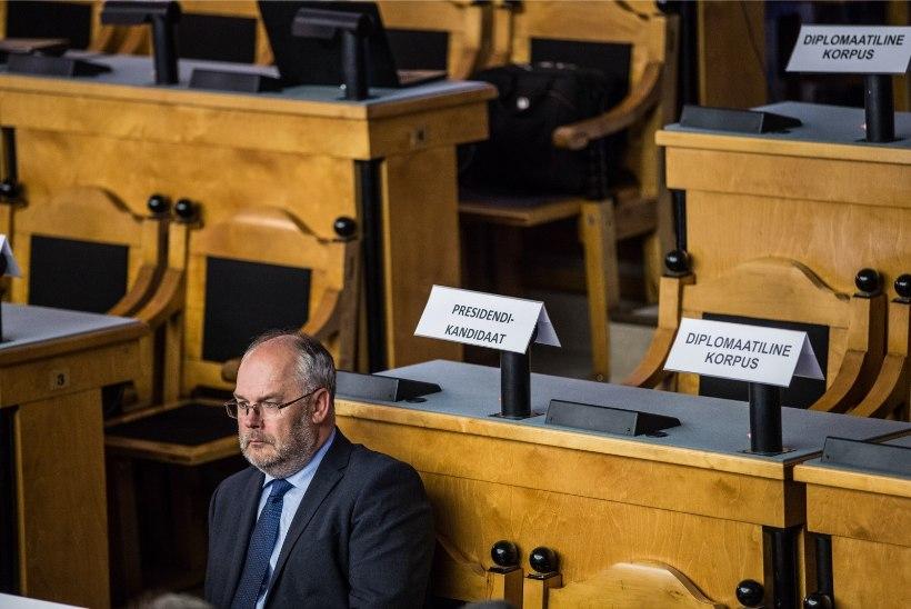NIMI ALL: Alar Karis allkirjastas ERMi direktori lepingu viimasel päeval
