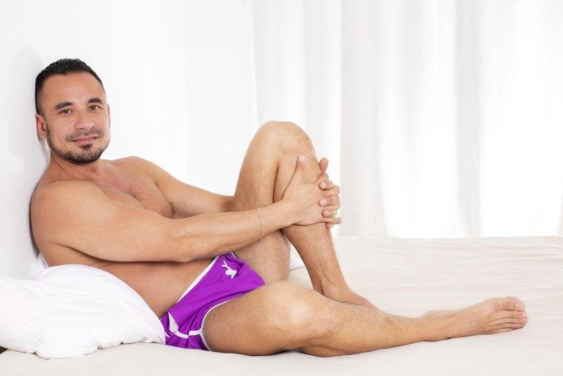 f3f16e8216f JULGE JA SEKSIKAS? 48-aastane mees proovis meestele mõeldud seksikat pesu