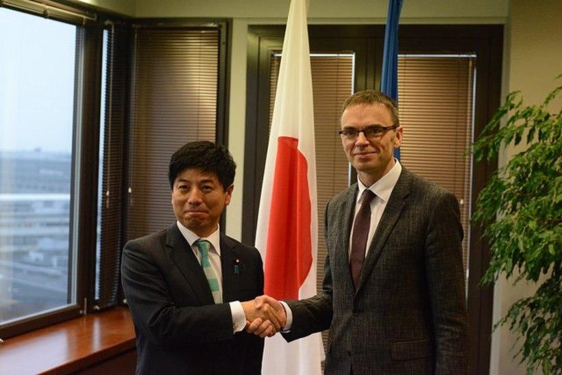 FOTOD | Mikser toetab Jaapanit ja mõistab Korea RDV raketiprogrammi hukka