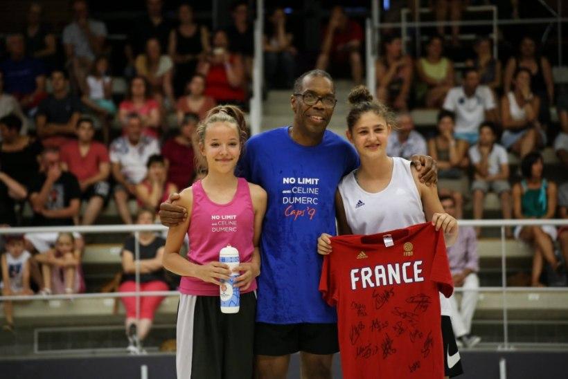MIDAGI UUT: Eesti korvpalli noortekoondis sai endale ajaloo esimese välismaa peatreeneri