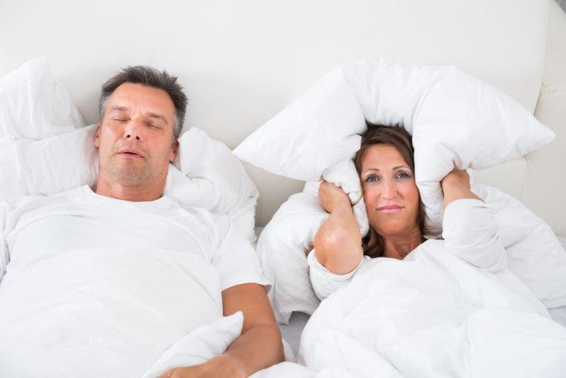 Hooli enda ja lähedaste unest: 12 nippi, et vabaneda norskamisest