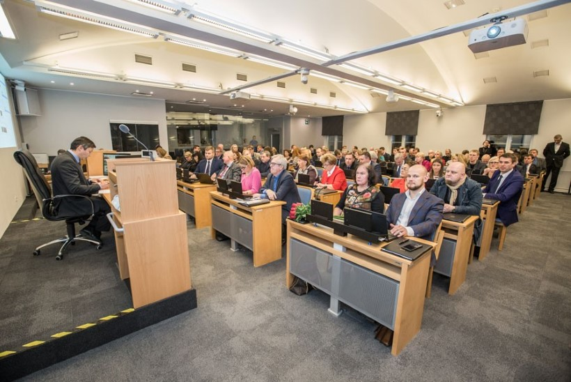 Tallinna uue linnavolikogu esimesel istungil valiti linnapea, abilinnapead ja komisjoni esimehed