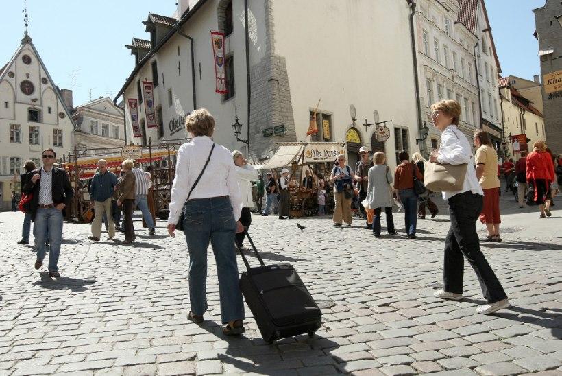 GRAAFIK | Soomlaste soov Eestis ööbida on vähenenud