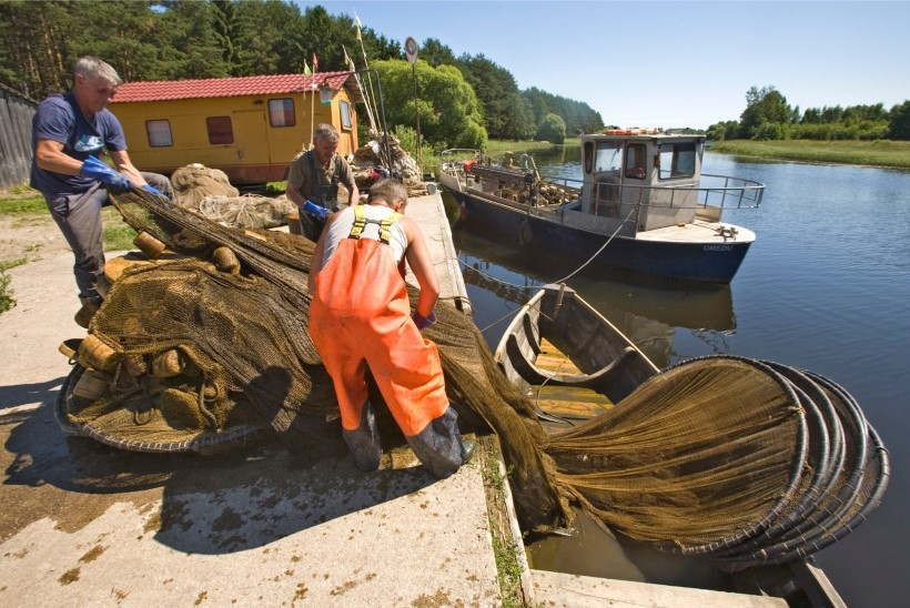Üle 10 aasta saab Peipsi järvel taas tinti püüda