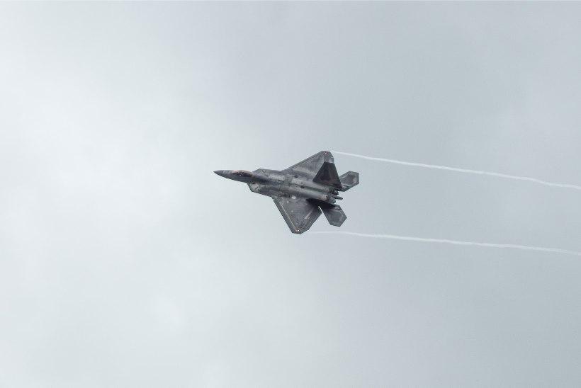 Liitlaste piloodid teevad Eesti kohal harjutuslende