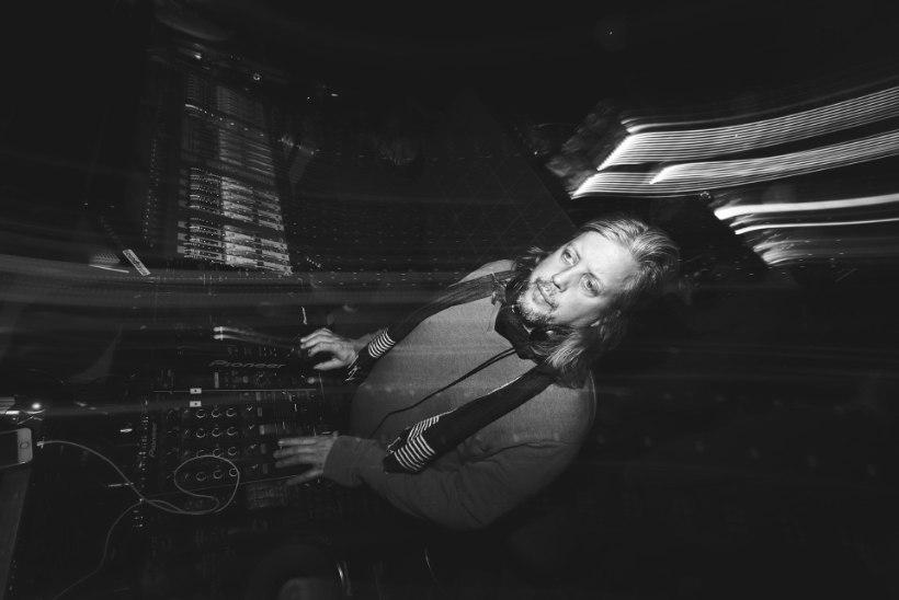 GALERII | Kuulus džässbänd Jazzanova tõi Sinilindu täismaja