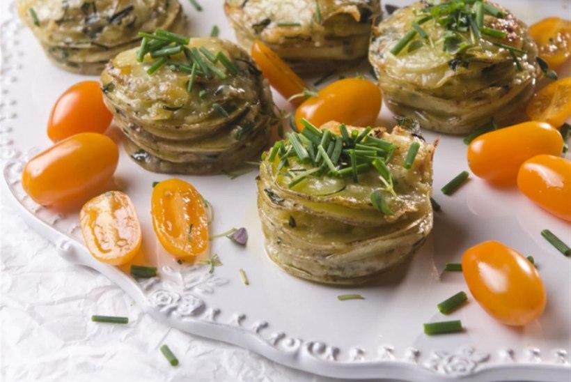 Kartulid juustu ja ürtidega (valmivad muffinivormis)