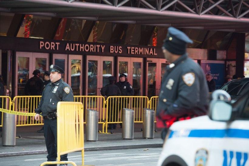 New Yorgis Manhattani bussiterminalis nurjus pommirünnak
