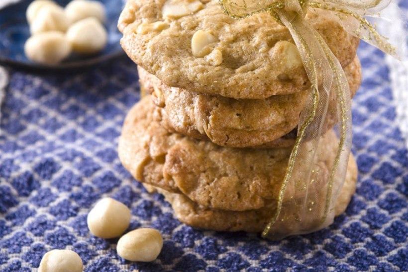 Valge šokolaadi küpsised pähklitega