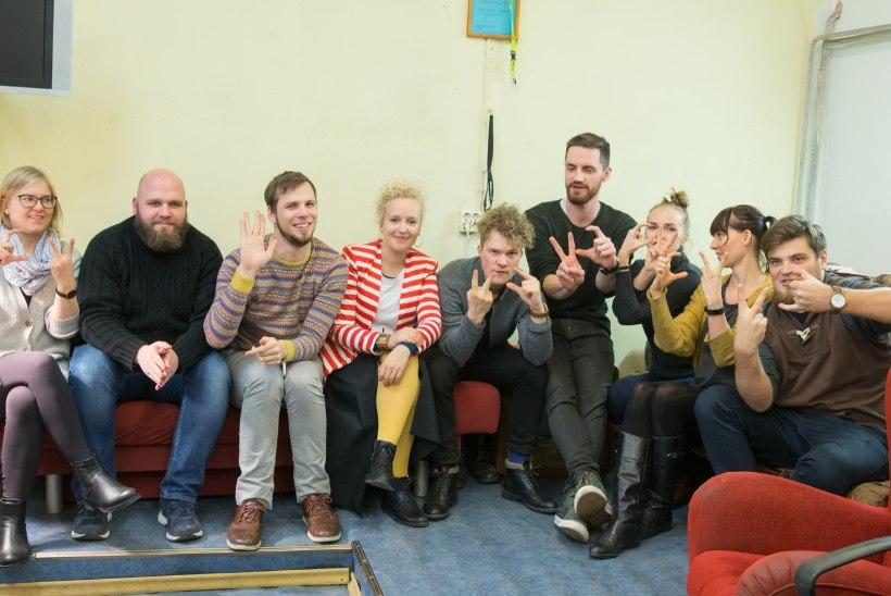 ÕL VIDEO | VIKTORIIN: kui hästi on üksteise tegemistega kursis ühisele jõulutuurile suunduvad Estonian Voices ja Curly Strings?