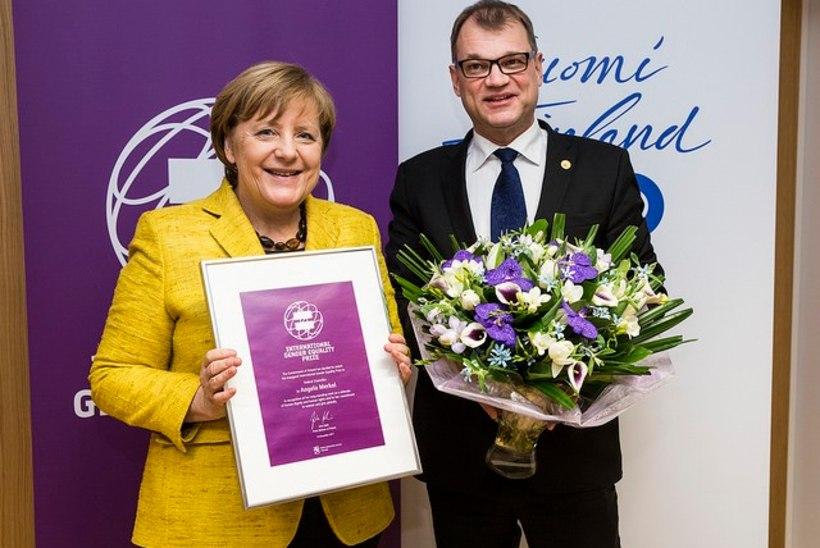 FOTO | Soome andis soolise võrdõiguslikkuse auhinna Angela Merkelile
