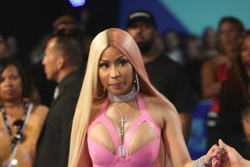 VAATA, KUI JULGED! Büstikas Nicki Minaj poseerib vaid nibukaunistuste väel