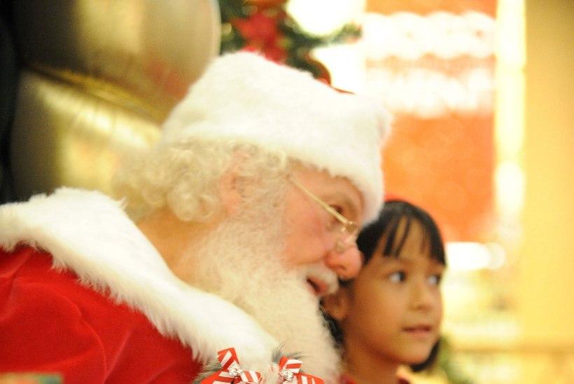 """JÕULUVANA PIHTIMUS: """"Kingituseks tahvelarvuteid nõudvad lapsed tapavad jõulude olemuse."""""""