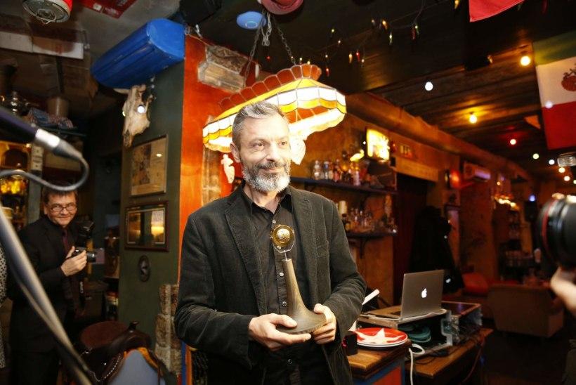 ÕL VIDEO | Kuldmikrofoni laureaat Owe Petersell: auhind peale raadiotöö lõppu tuli täieliku üllatusena