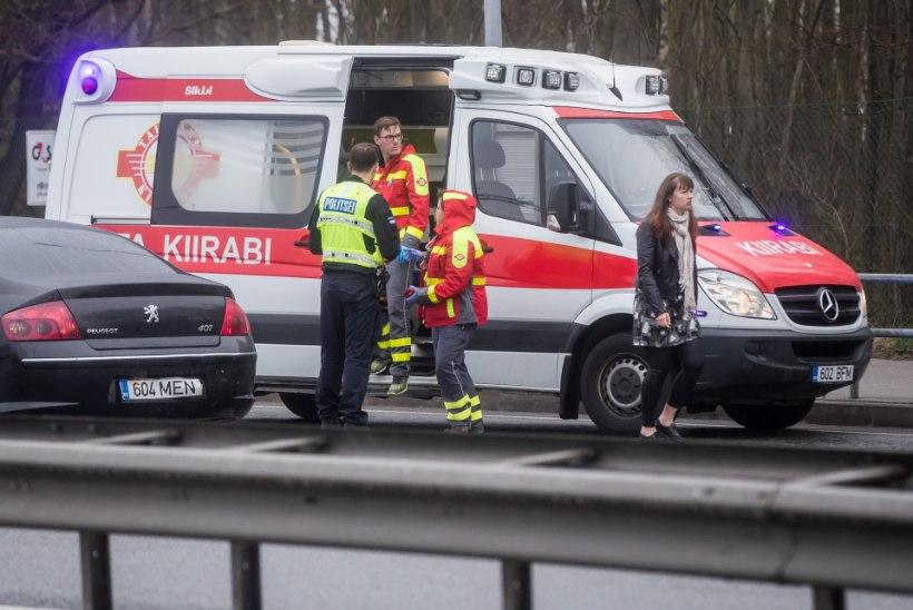 Patsiendid tekitavad Tallinna kiirabi töötajatele ligi 15 torkevigastust aastas