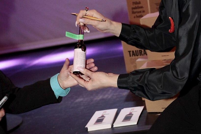 PILDID | Näitlejad Tiina Tauraite ja Erki Laur brändivad enda tehtud vägijooke