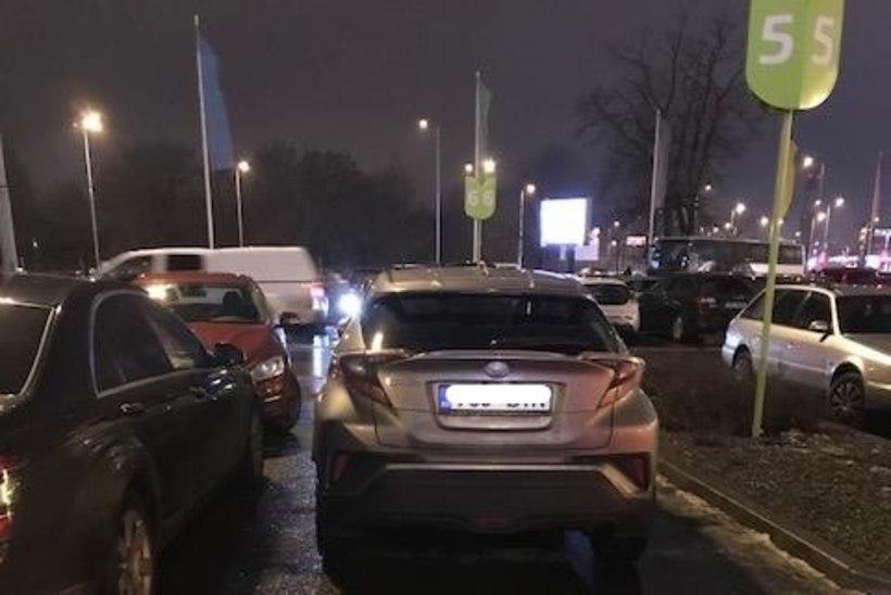 FOTOD | ÜLESKUTSE: Saada pilt valesti pargitud autost!
