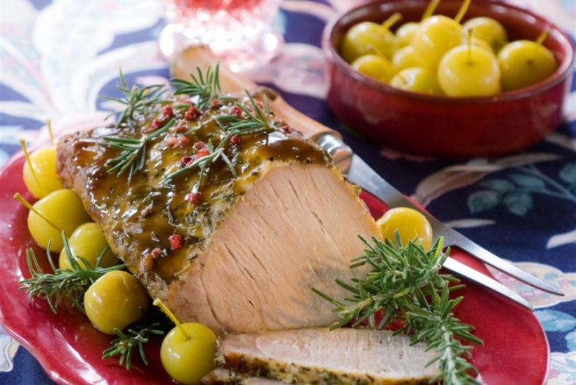 Sea välisfilee rosmariini ja roseepipraga