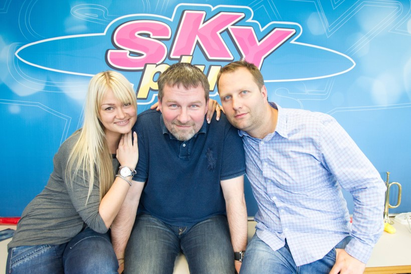 Kas Alari Kivisaar lahkus Sky Plusist või on tegemist trikiga kuulajanumbrite tõstmiseks?