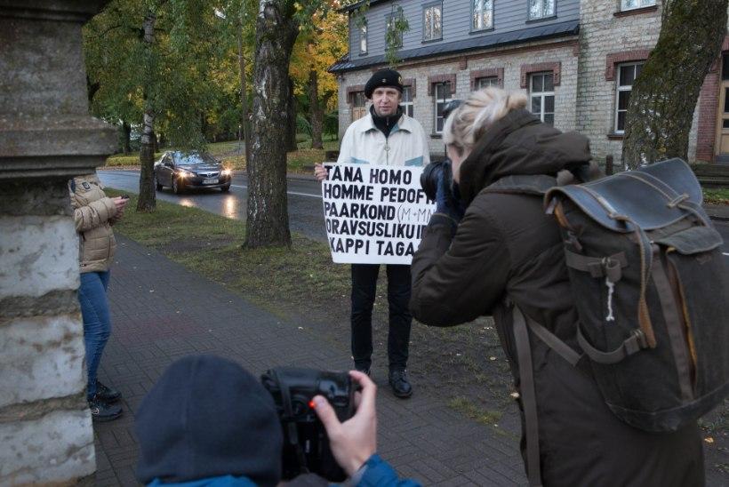FOTOKROONIKA OKTOOBER 2017: valimistrall ja tulistamine Vabaduse väljakul