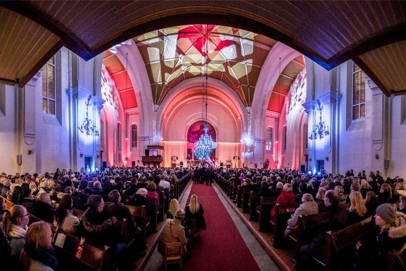 GALERII | Ott Leplandi ja Inese jõuluturnee esimene kontsert oli Kaarli kirikus