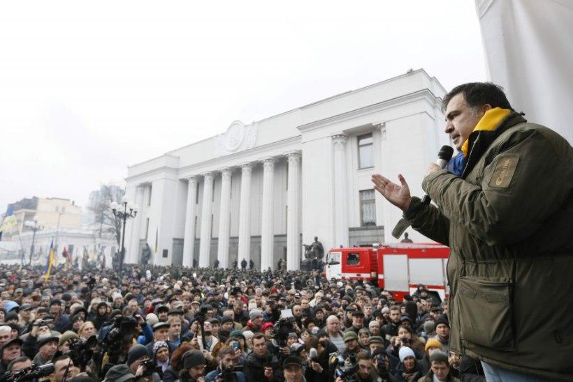 Riigipöördekatse Ukrainas? Saakašvili viis pooldajad ülemraada juurde
