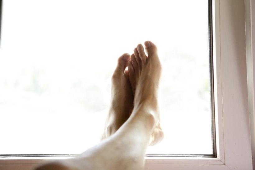 Viis põhjust, miks peaksid korra päevas jalad seinale viskama