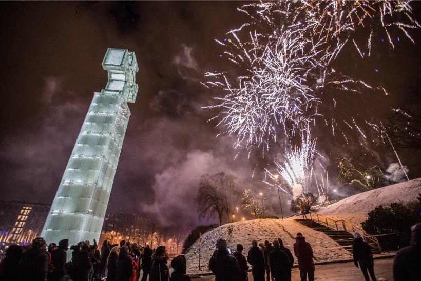GALERII | Soome 100. sünnipäeva auks korraldas Eesti Tallinnas suure ilutulestiku
